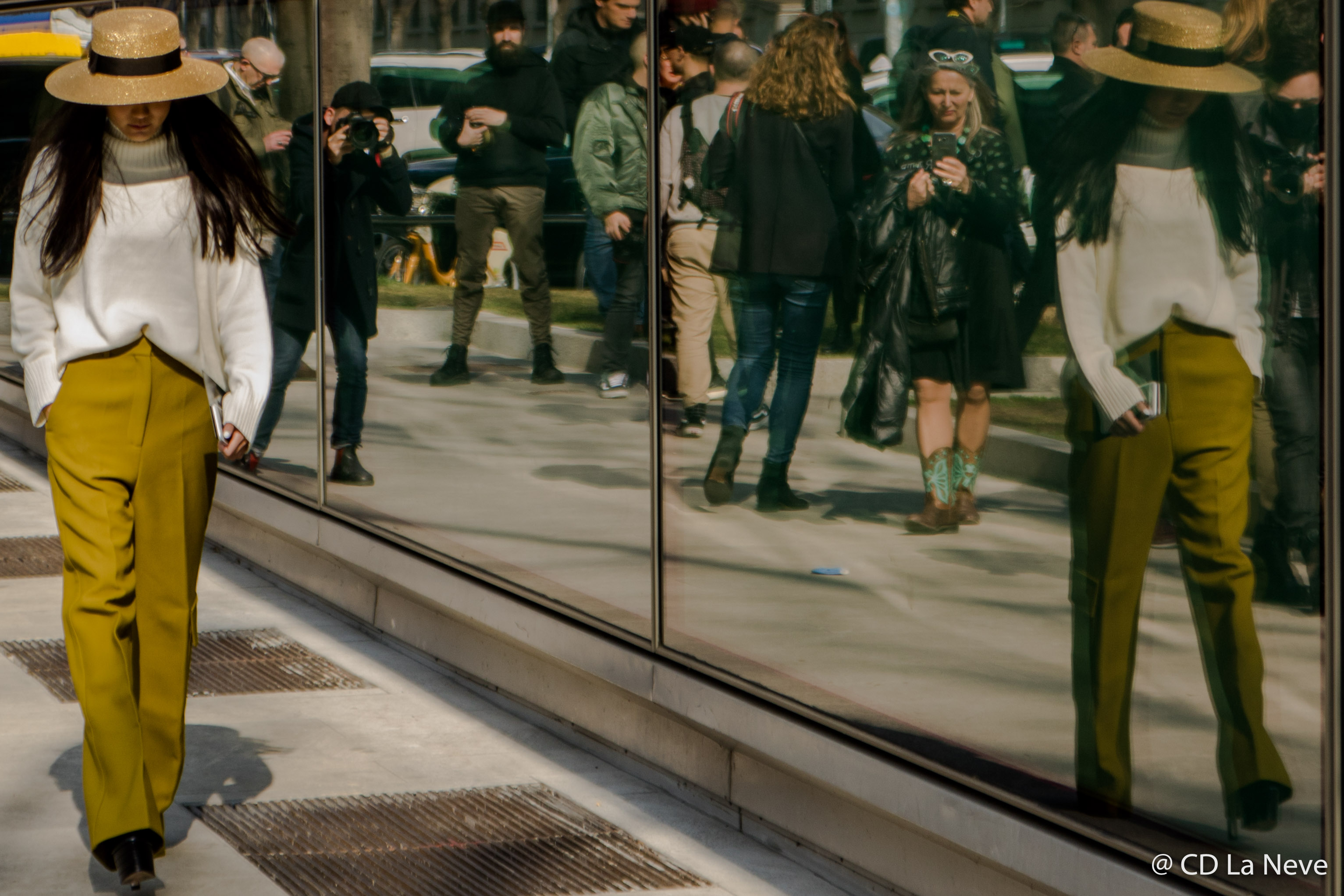 Street Style At Giorgio Armani Milan Fashion Week FW17