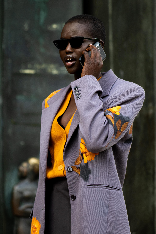 Model Adut Akech Street Style Paris Fashion Week SS20