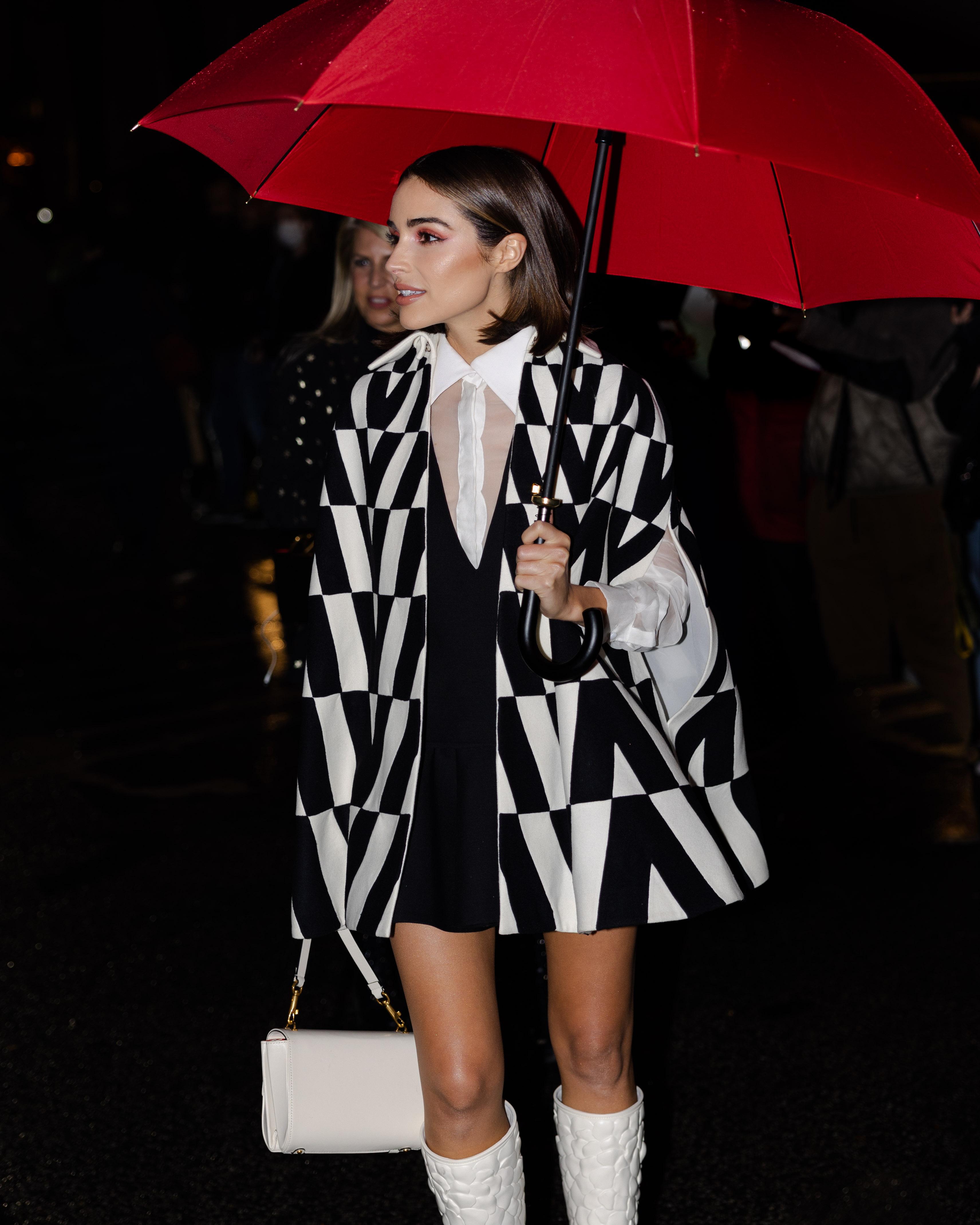 Olivia Culpo Maison Valentino Street Style Paris Fashion Week SS22